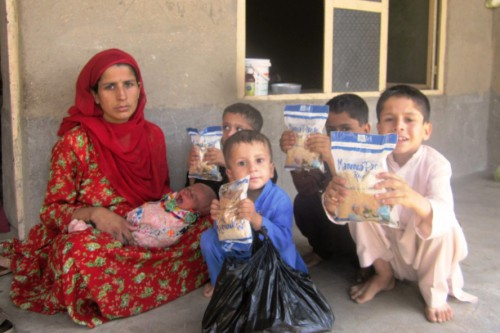 Afghanistan: Feeding Children in a War Zone
