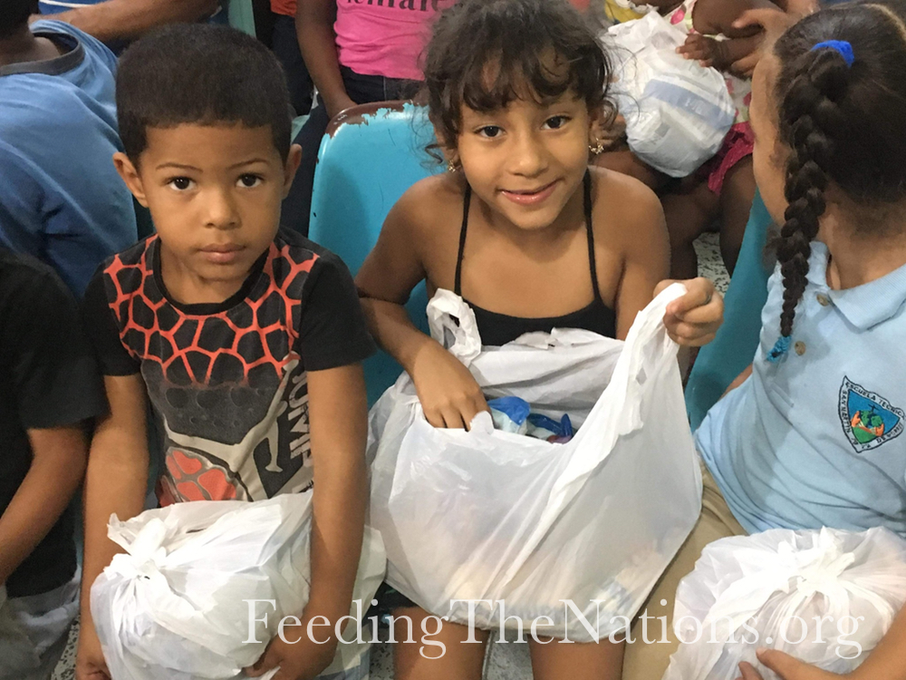 Dominican Republic: Feeding over 1200 Families